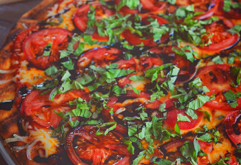 Quick and Easy Margherita Pizza